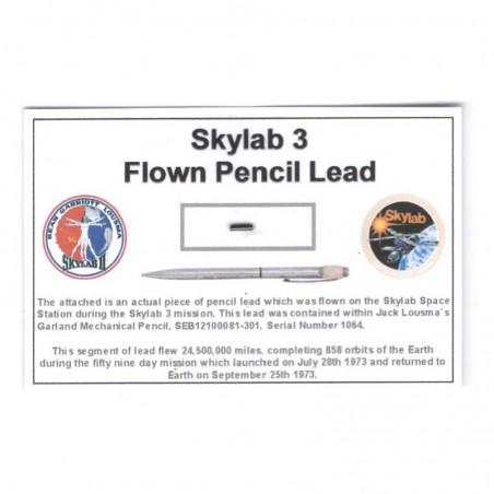 Carte / presentoir avec un fragment Original Nasa Skylab 3 ( 049 )
