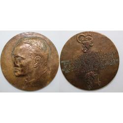 1 Médaille Gaston Julia...