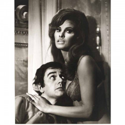 photo originale de Raquel Welch , Dudley Moore ( BIA )
