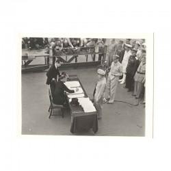 WWII Photo la reddition des Japonais 1945  ( 026 )