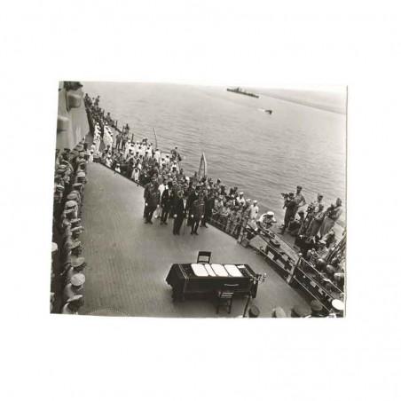 WWII Photo la reddition des Japonais 1945  ( 033 )