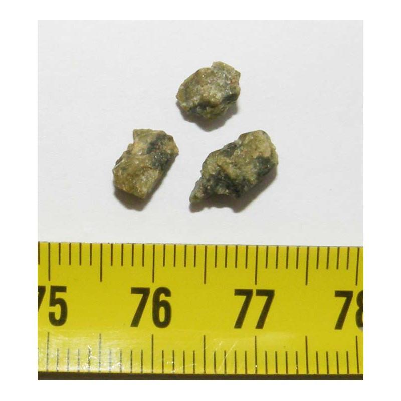 Lot de Tatahouine ( meteorite - 0.75 grs - 002 )