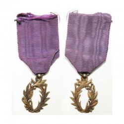 médaille France Ordre des palmes academiques ( 110 )